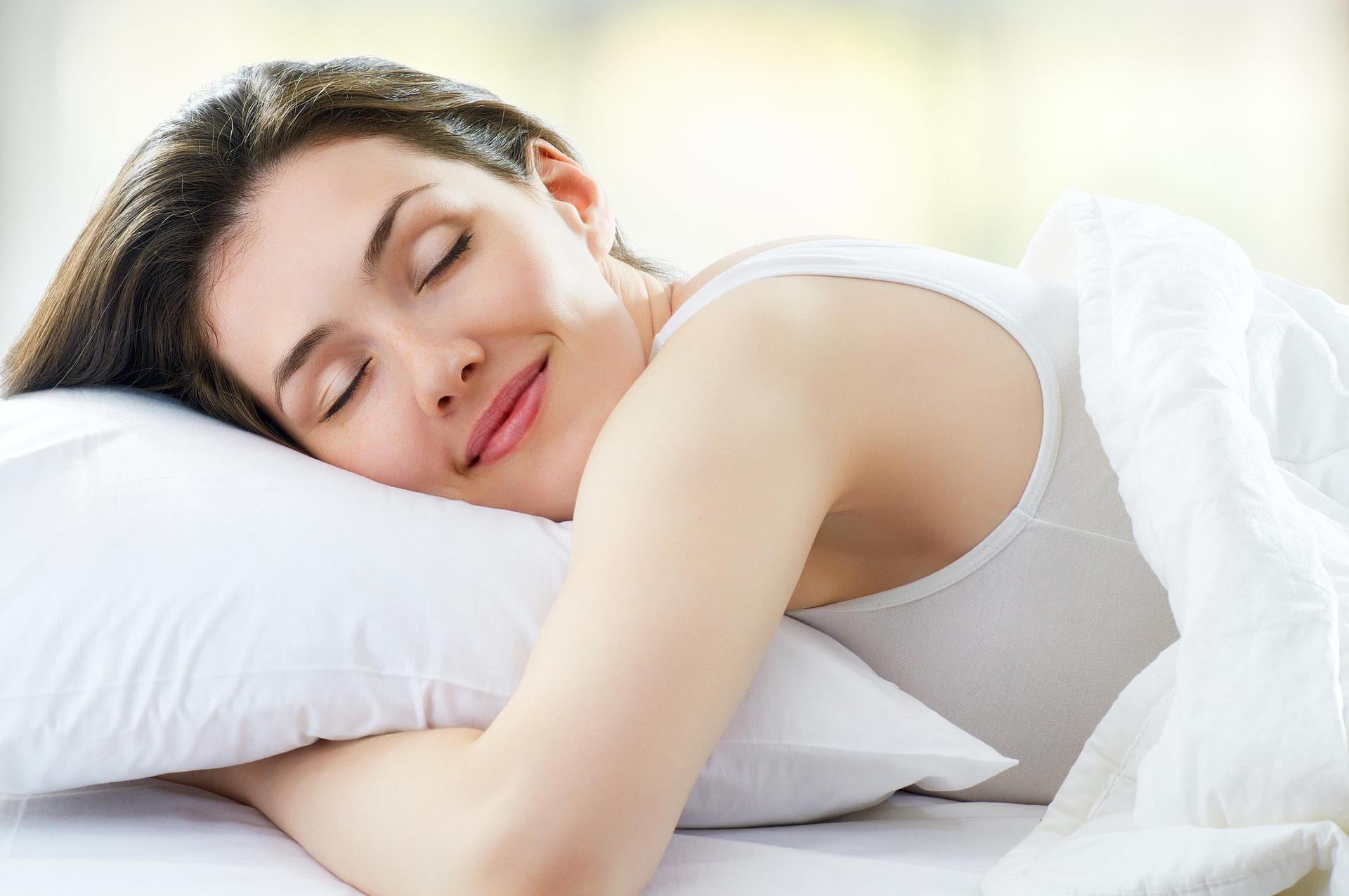 dormir para evitar la migraña